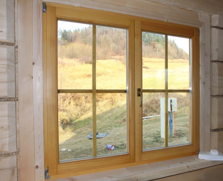 okno drewniane duze