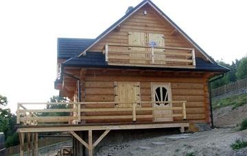 zdjecie domu zbali drewnianych polokraglych