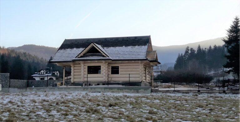 dom drewniany zpol-bala
