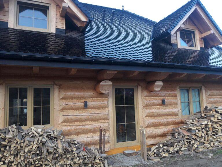 dom zbala drewnianego